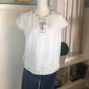 Vineyard Vines 100% linen top. Fully lined. M